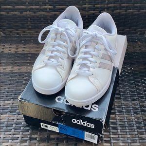 Adidas cloudfoam women's tennis shoes size 8.5